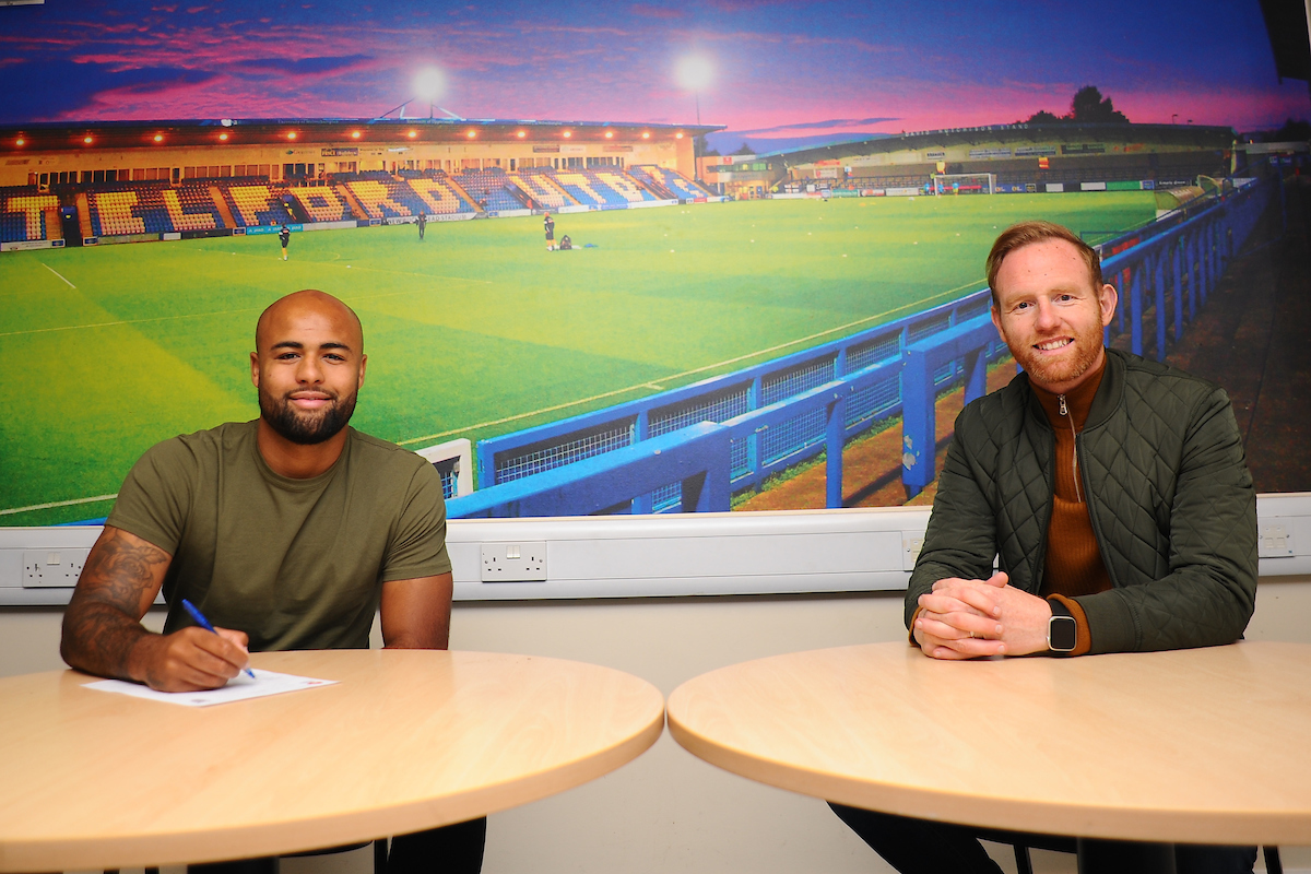 Courtney Meppen-Walters Signs!